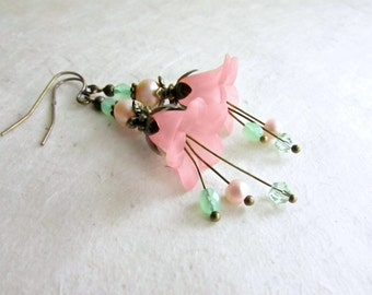 Peach Flower Earrings with Mint Green Crystals + Freshwater Pearls. Lucite Flower Earrings. Romantic Vintage Style Flower Dangle Earrings