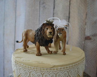 Lion lioness bride and groom jungle cat wedding cake topper king queen African Africa wild cat zoo circus themed animal cake topper Mr Mrs