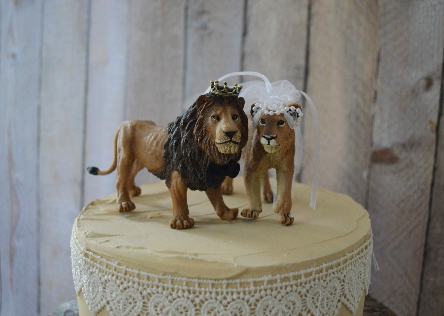 Lion lioness bride and groom jungle cat wedding cake topper