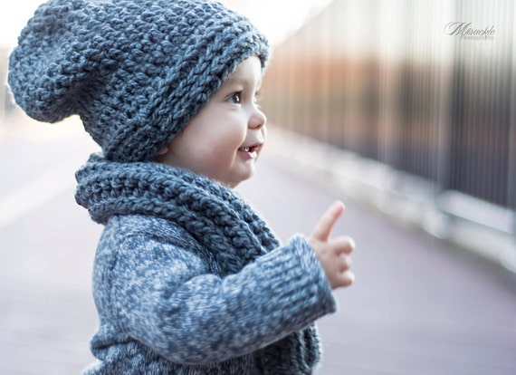 Find boys hats, gloves, and scarves at Gymboree. Shop our high quality boys hats, caps, visors and winter accessories like scarves and gloves at great prices.