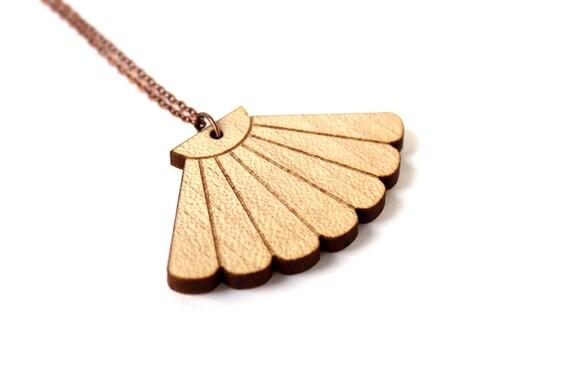 Seashell necklace - scallop pendant - beach jewelry - holiday jewellery - lasercut maple wood - graphic minimalist accessory