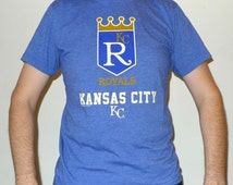 Officially Licensed Kansas City Royals MLB Old Vintage Logo KC Majestic T-shirt M Tri Blend