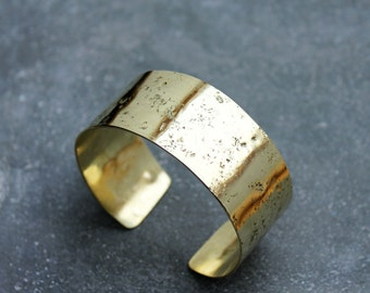 GOLD RUSH bangle - minimal hammered brass cuff / bracelet