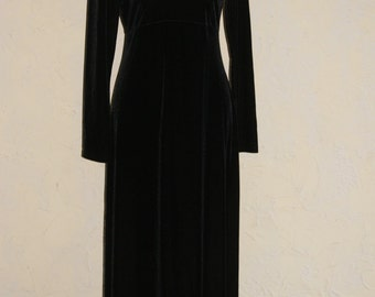 MY MICHELLE Ladies Formal Long Sleeve Black Velveteen Maxi Length Dress Approximate Size 6 To 8
