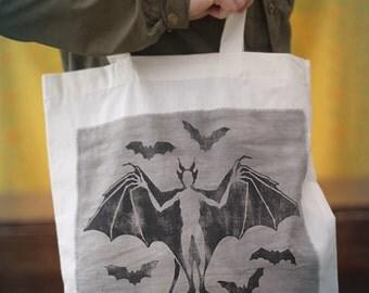 Nattmara Tote-Bag - Ecologically handprinted from carved linoleum [White]