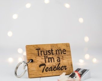 Personalised Trust Me Keyring  - Personalised Keyring - Wooden Keyring - Keyring Personalised - New Job Card - New Job Gift - Token Gifts