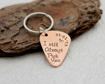 I will always pick you - Guitar Pick Keychain - Anniversary Gift - Men's Keychain - Men's Gift - Groom gift - Personalized Keychain - Men's