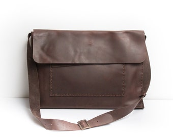 SALE Leather messenger bag