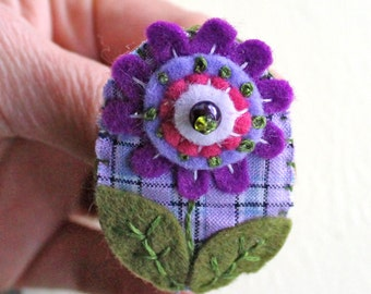 Purple Flower Embroidered Brooch, Pink and Purple Floral Pin, Felt Picture Brooch, Purple Jewelry, Flower Badge, Purple Party Accessory