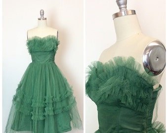 50s Kelly Green Tulle Ruffled Prom Dress / 1950s Vintage Cupcake Strapless Tulle Party Dress / Small / Size 4