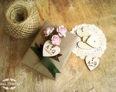 Personalized 3cm Engraved Wooden Hearts With hole Gift Tags Wedding Decoration Bridal Shower Pack of 30 / 50 / 80 / 100 / 150