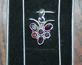 Arts and Crafts Style Silver Necklace Set with Garnets