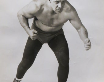Original 1950's Professional Wrestler Fritz Schnabel Wrestling Photo - 8 x 10 - Free Shipping