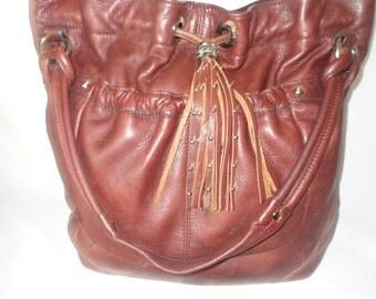 Pre-Owned Burgandy Hobo Leather Handbag********.