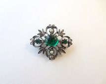 Emerald Pearl Silver Brooch Pin Jelly Belly Green Antiqued Silver White Pearl Small Scarf Pin Brooch Coat Pin Jacket Pin Vintage Brooch