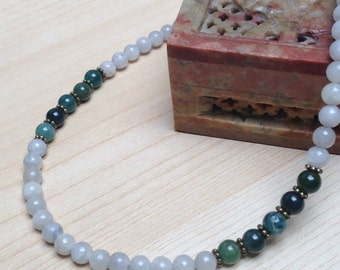 Vintage looking glass bead necklace