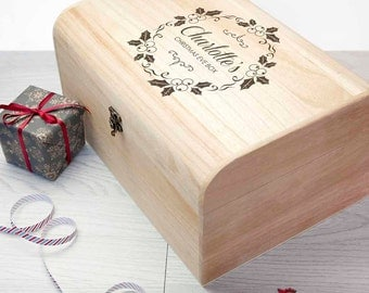 Personalised Christmas Eve Chest With Mistletoe Wreath - L - Christmas Eve Box - Children's - Night Before Christmas Box - FREE UK DELIVERY