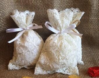 Lace favor bags, 20 bags, White Favor bags, wedding favors, lace bags, rustic favor bags, rustic chic favor bags, corded white lace favors