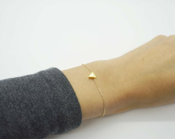 14K Gold Filed Tiny Triangle Bracelet