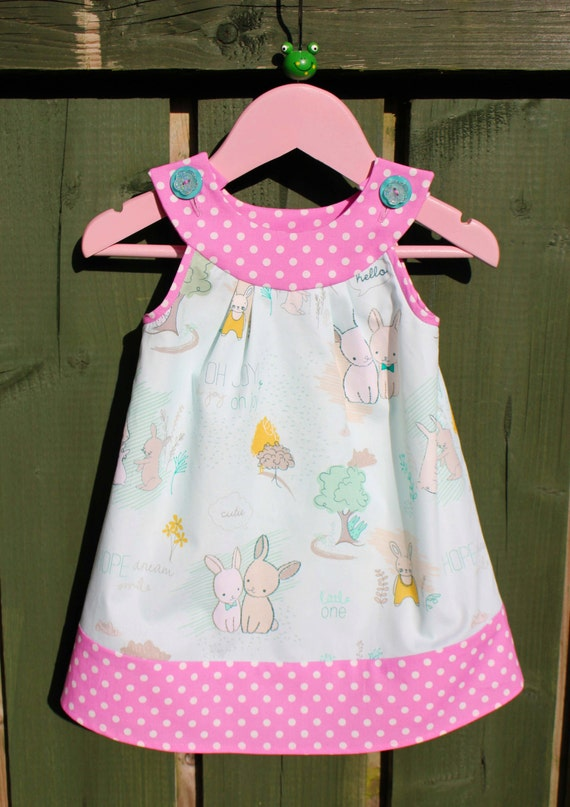 Girl/'s Toddlers Light Pink Quatrefoil Skirt and Personalized Bunny Applique Shirt