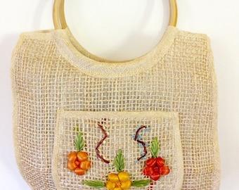 straw bag round wooden bag handles raffia embroidered flowers tote shopper boho