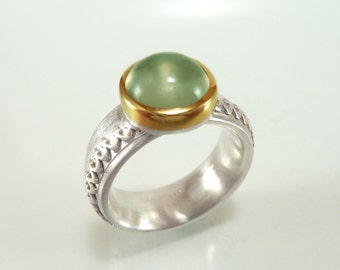 Silver ring tender green prehnite - Cabochon, sterling silver 18k yellow gold - handforged by SILVER LOUNGE