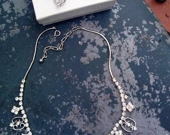Beautiful Rhinestone Necklace and Screw Type Earrings Set