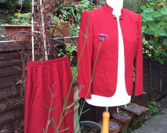 Vintage UK12 US 8 EU 40 suit,Eastex bright red