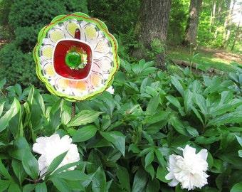 """Garden Art 9"""" Glass Flower, Sun Catcher Plate Flowers"""