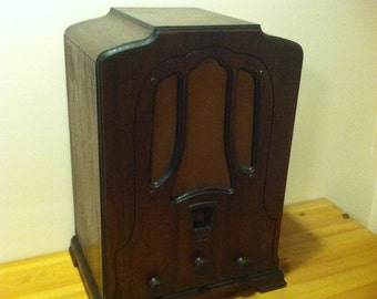 1932 Art Deco RCA Victor Radiola Superette R-7 Tombstone Radio
