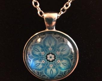 BLUE KALEIDOSCOPE Vintage Glass Cabechon Silver Medallion Necklace