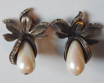 Vintage Les Bernard Earrings Clip On Clear Rhinestone Pearl Drop Statement Earrings Signed Les Bernard