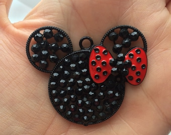 P105 Rhinestone  Mouse Pendant for Chunky Necklaces