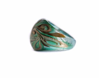 Glass Ring :  Individually blown glass ring with intricate design R17