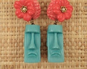 Turquoise MOAÏ with Strawberry Red HIBISCUS and Bubble Gum Pink PINEAPPLE Clip Earrings.