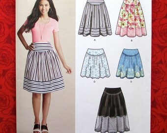 Simplicity Easy Sewing Pattern 8057, Skirts, Short & Knee Length, Yoke Accents, Misses' Size 6 8 10 12 14, Casual Fashion Sportswear, UNCUT
