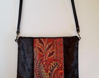 Tapestry shoulder bag. Gray bag leather strap.