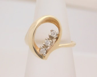 Ladies Round Cut Diamond Cluster Ring 14K Yellow Gold