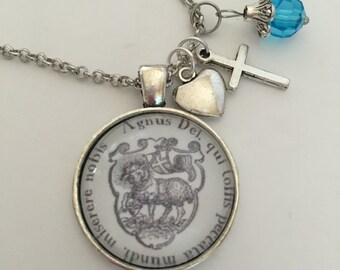Agnus Dei pendant
