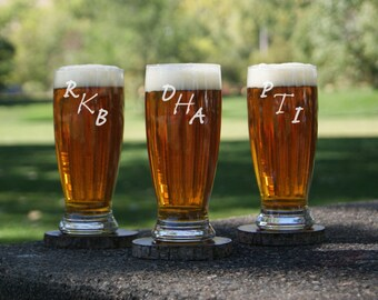 Personalized Groomsman Gift / Monogram Glasses / Etched Pilsner Glass / Custom Engraved / Groomsman Gift / 16 Designs! / Select ANY QUANTITY