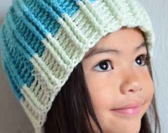 Double Ribbed Beanie Pattern. Crochet Fake knit style. Unisex. Reversible. 18-24 inches. Instant download. One size fits most.