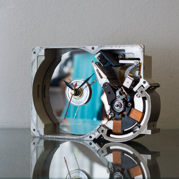 Hard Drive Clock, Unique Clock, Industrial Clock, Birthday Gift, Husband gift, Unique Gift, Boyfriend Gift, Dad Gift, Tech Gift, Gadget