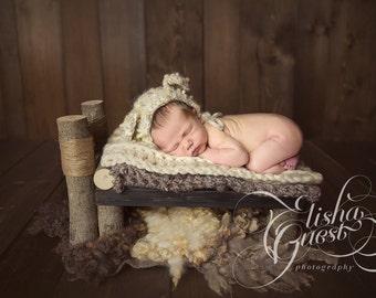 Rustic Log Newborn Bed - Newborn Photography Prop