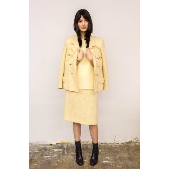 Sale Vintage Chanel Boutique Boucl 233 Skirt Suit 1980s Cream
