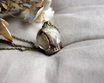 Former plant necklace