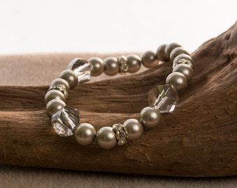Pearl and swarovski crystal bracelet