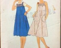 1970s vintage sewing pattern Simplicity 7962 Petite bust 32.5 Retro 70s boho sundress easy to sew beach resort boho hippie style