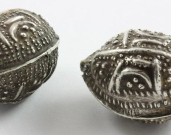 SOLD OUT: Set of 2 Large Silver Mauritanian Aggrab Al Fadda Beads (C198)