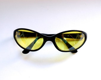 90s/2000s Vintage Oval Sunglasses - Yellow lens sunglasses w  Black Frames - Cyber/Clobkid/Acid House/Rave