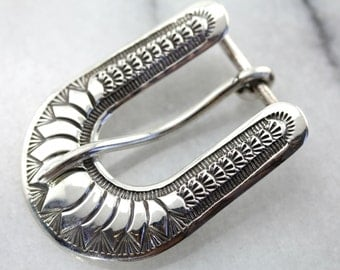 Beautiful Decorative Vintage Belt Buckle Crafted in Sterling Silver YQVDKE-D